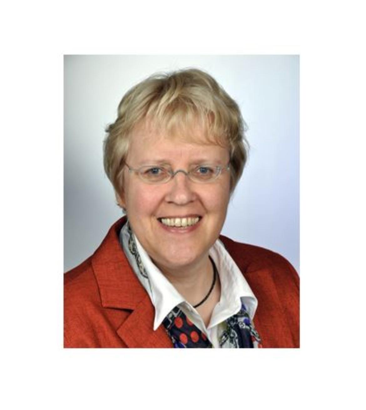 Professorin Sabine Holtz (c)