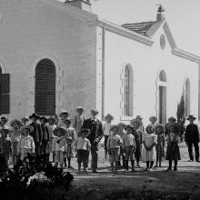 Photo einer Gruppe württembergischer Templer in der Kolonie Wilhelma, Palästina (um 1900).