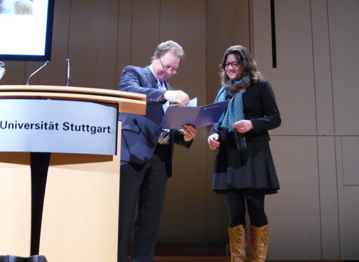 Überreichung der Urkunde durch den Rektor Prof. Dr.-Ing. Wolfram Ressel (c)